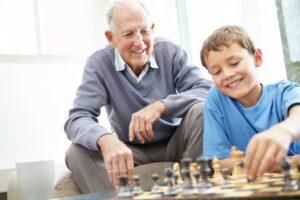 Festeggiamo i nonni dei tempi di crisi
