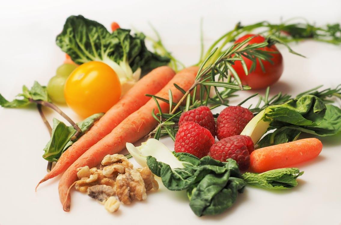 Alimentazione over 60 i consigli per una dieta anti-age