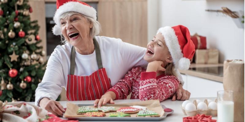 Regali Di Natale Per Nonni.Nonni E Natale Idee Regalo Per I Nipoti Altraeta