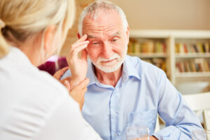Riattivato il numero verde per anziani soli di Senior Italia