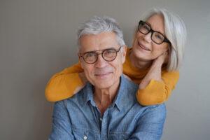 Cosa cercano gli over 50 in una relazione?