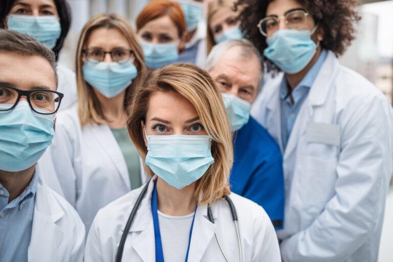 personale-medico-mascherina-covid