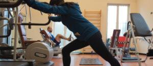 Esercizi di fisioterapia in palestra